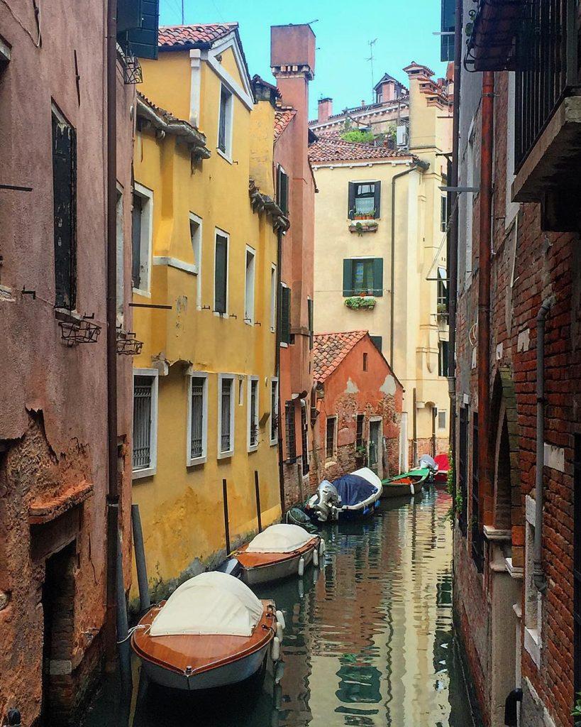 Del perché ogni tanto ho bisogno di tornare a Venezia a riempirmi gli occhi di meraviglia ❤️ #lifewelltravelled #audreylovesvenice