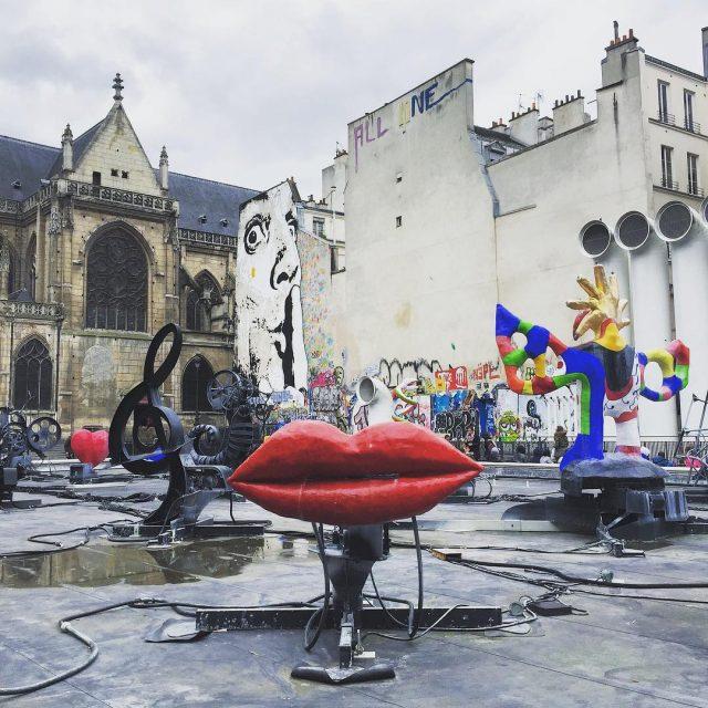 Un anno fa a Parigi  lifewelltravelled parisjetaime stravinskyfountain