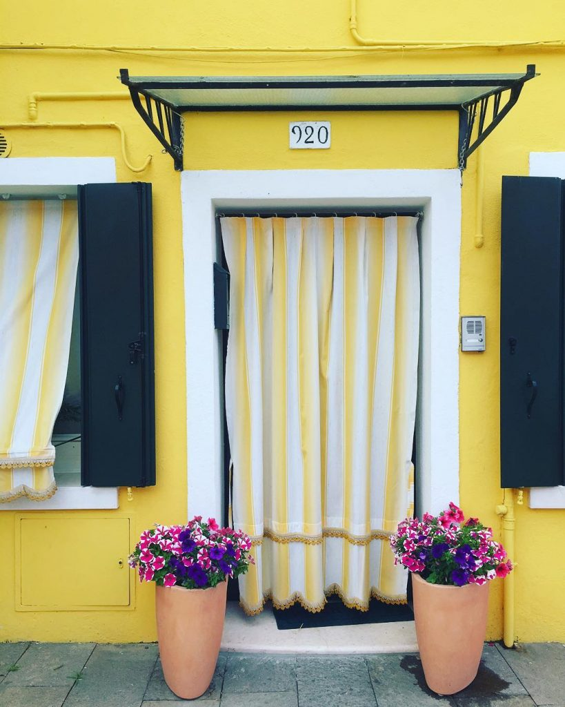 Lemon ❤️ #burano #ohmyprettydoor #audreylovesvenice